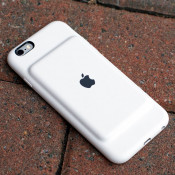 Apple Smart Battery Case для iPhone XS засветился в документации для ресселеров