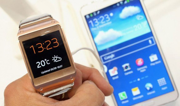 Galaxy-Gear-review-1