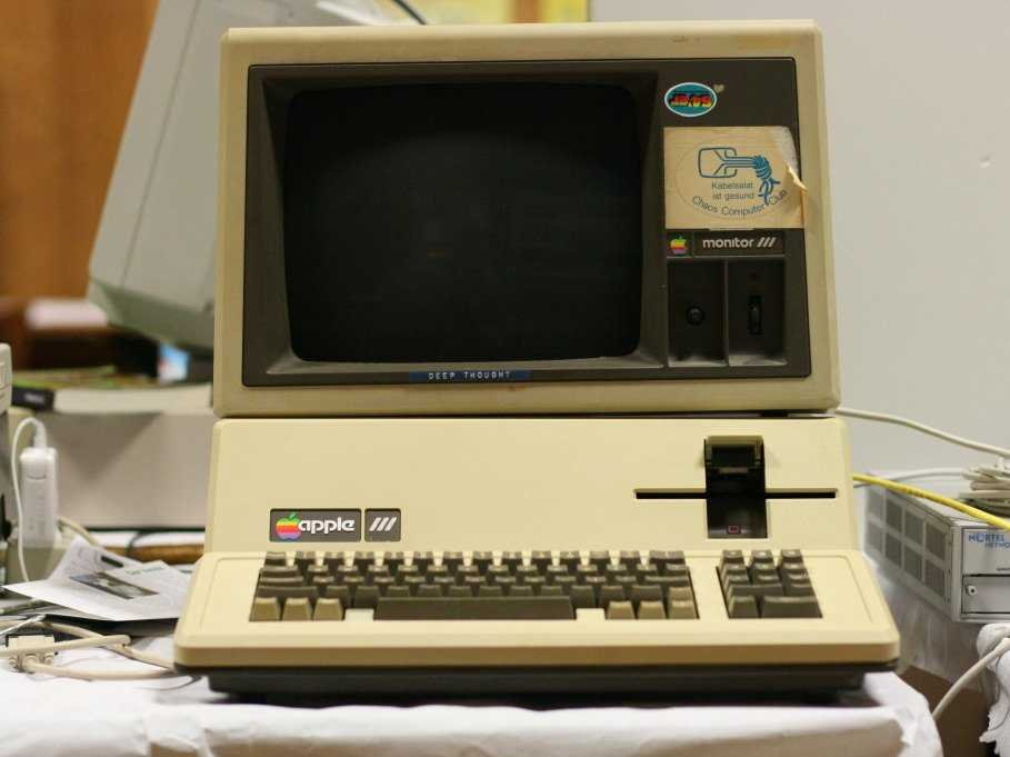 the-apple-iii-was-meant-to-springboard-off-the-apple-iis-success-but-its-impractical-design-vexed-users-and-forced-apple-to-recall-the-first-14000-units