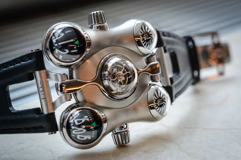 MB & F-HM6-Space-Pirate-2