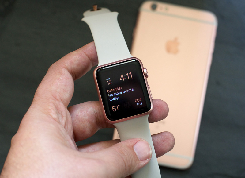 rose-gold-apple-watch-1