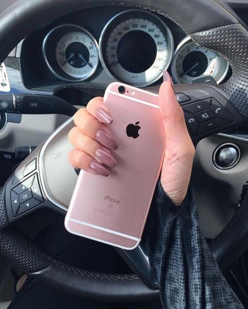 Rose-Gold-Iphone-1