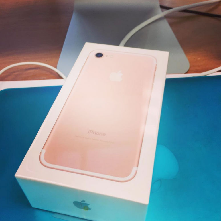 iPhone-7-Plus-Review-Apple-iPhone-7-iPhone-7-UK-Release-Date-UK-Price-iPhone-7-Plus-Worth-The-2