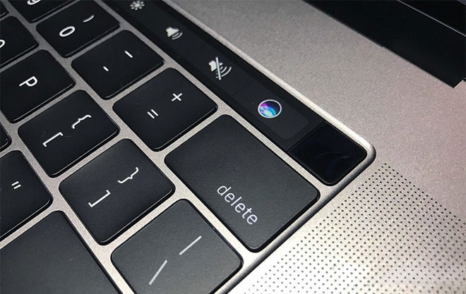 MacBook-Pro-touch-bar-laust-22
