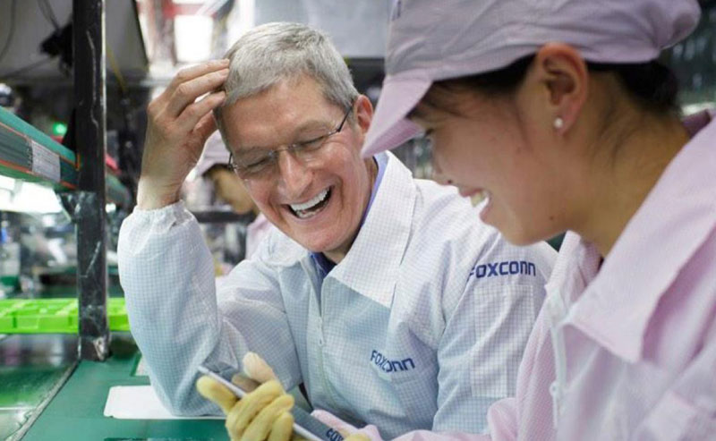 foxconn-iphone-tim-cook-1