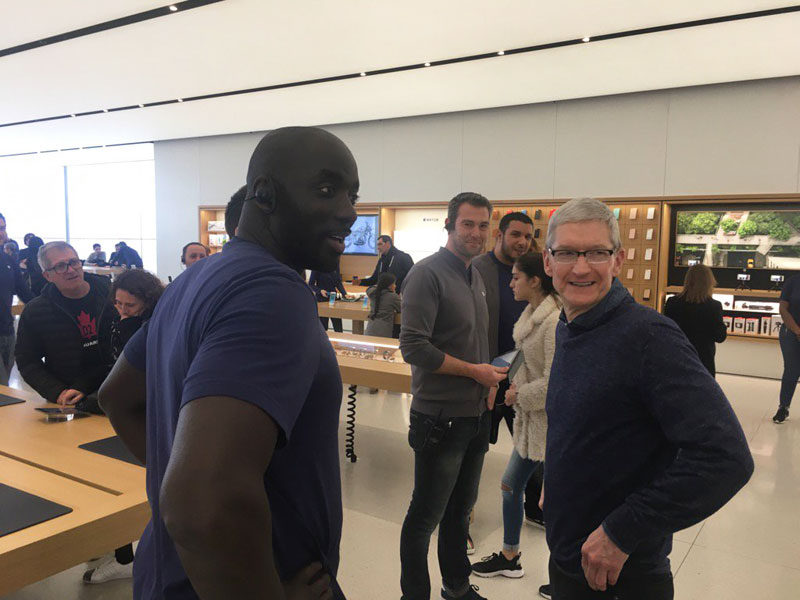 Tim-Cook-ovac-2